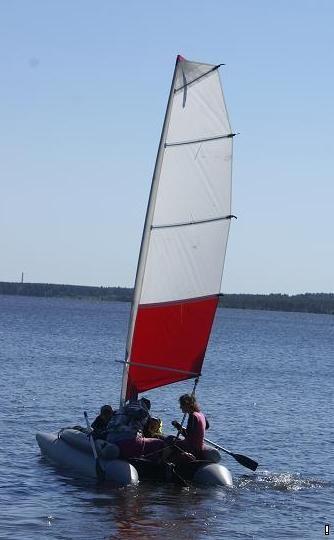 лодка пеликан с парусом